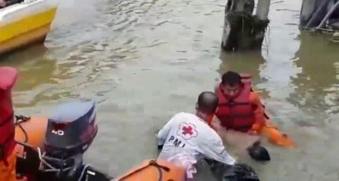 Bocah 12 Tahun Tenggelam Di Sungai Kramat Agis